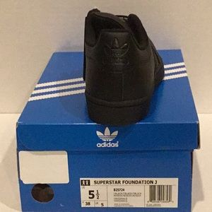 adidas Shoes - Adidas superstar unisex sneakers youth size US 5.5